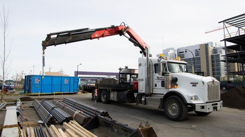 Truck Mounted Crane 003